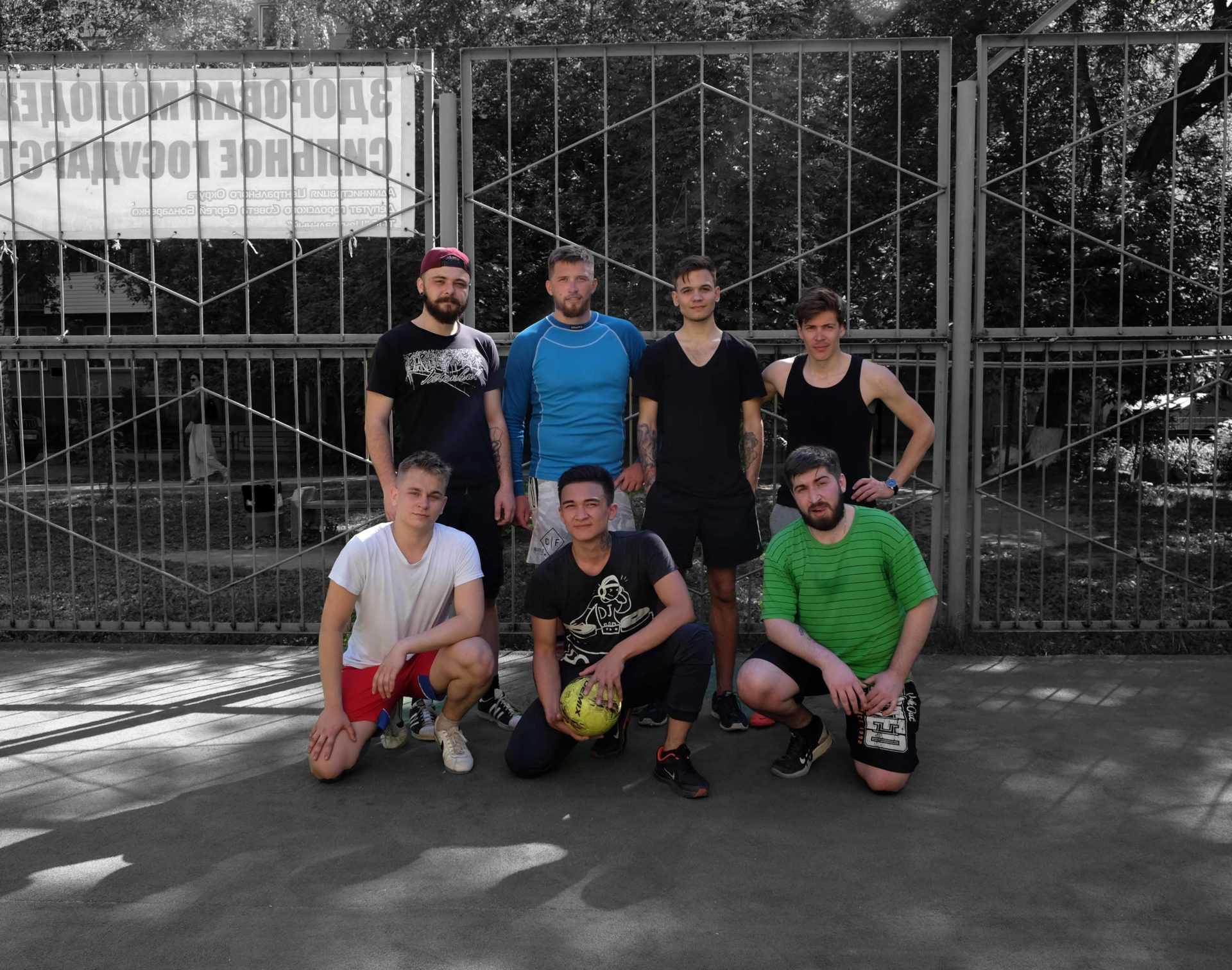Сибирская цирюльня №1 Мужской диалогЪ приняли участие в дружеском матче по мини-футболу против барбершопа Old Boy